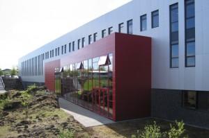 Víðistaðaskóli í Norðurbæ er dæmi um safnskóla á unglingastigi. Mynd: Arkitekt.is