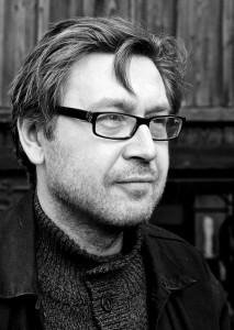 Veli-Pekka Bäckman er tónlistarmaður og myndlistarmaður frá Finnlandi